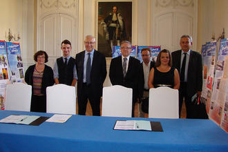 Signature contrat d'apprentissage